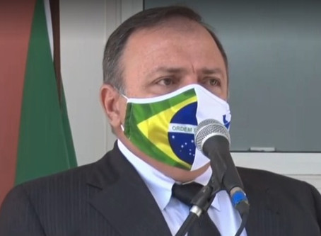Desautorizado por Bolsonaro, Pazuello contrai Covid