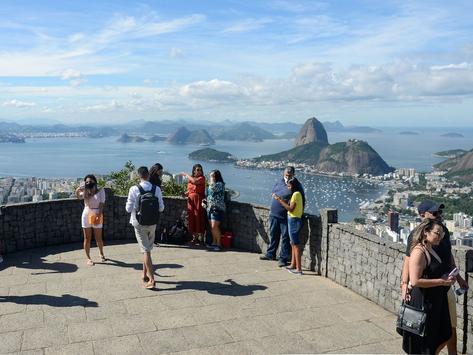 Rio prevê desobrigar uso de máscaras em 2 semanas