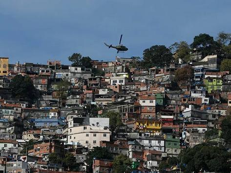 'Atirar na cabecinha' e milícia ainda é a política no RJ