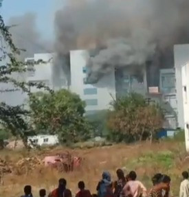 Incêndio atinge fábrica da vacina de Oxford na Índia
