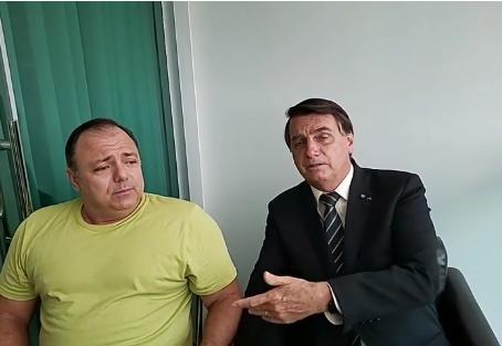 'Um manda e outro, obedece', diz Eduardo Pazuello