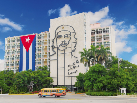 Frei Betto: Cuba resiste!