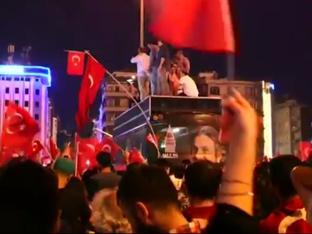 Militares condenados por tentativa de golpe. Na Turquia