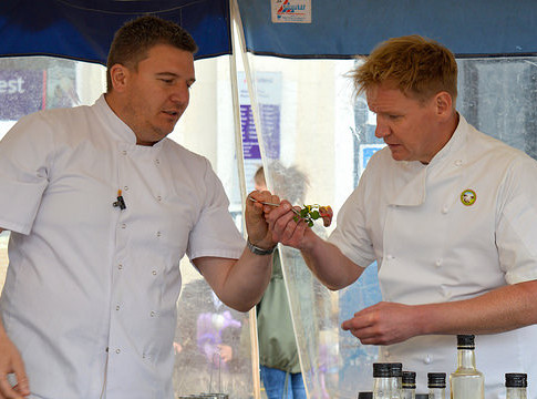 Pete coking with you know who ???