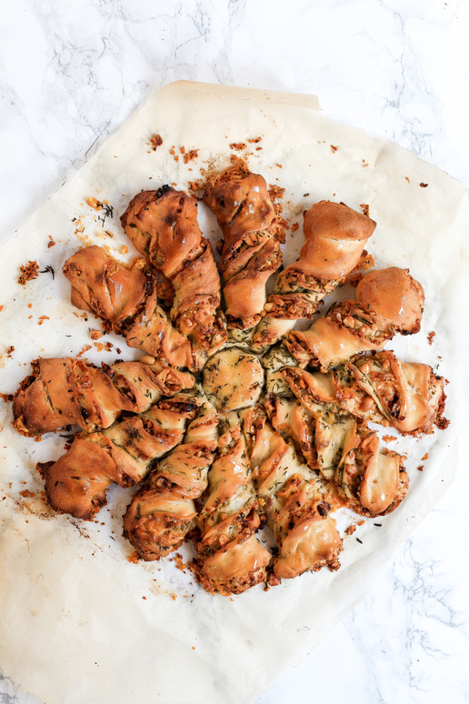 Walnut and Blue Cheese Star Bread