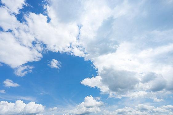 青い空背景.jpg