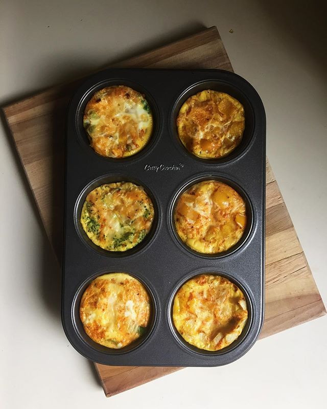 6 mini-omelettes baked in a muffin tin - easy breakfast recipe