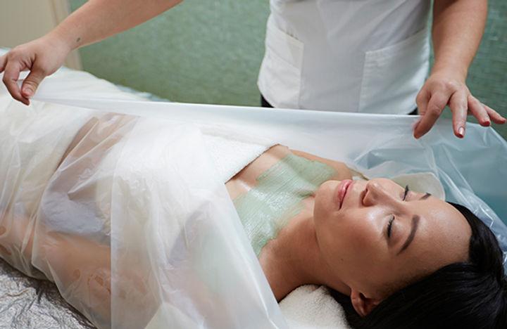 woman-getting-a-body-wrap_jpg-600x390.jp