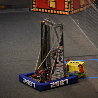 Guillotine Picking up a Powercube