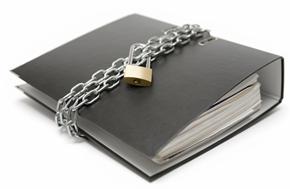 Что правильнее  для  здорового общества:  «Неконкретность  обвинения»  или  «доступ  к  доказательст