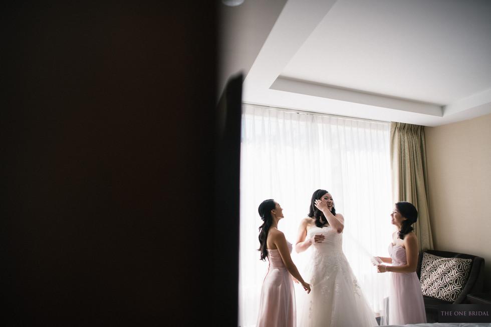 Bridesmaid and Bride, Shangri-La Toronto Hotel Wedding
