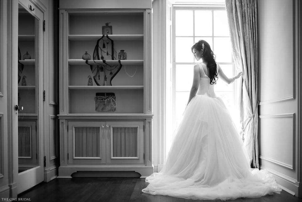 Bride wedding photo at Estates of Sunnybrook