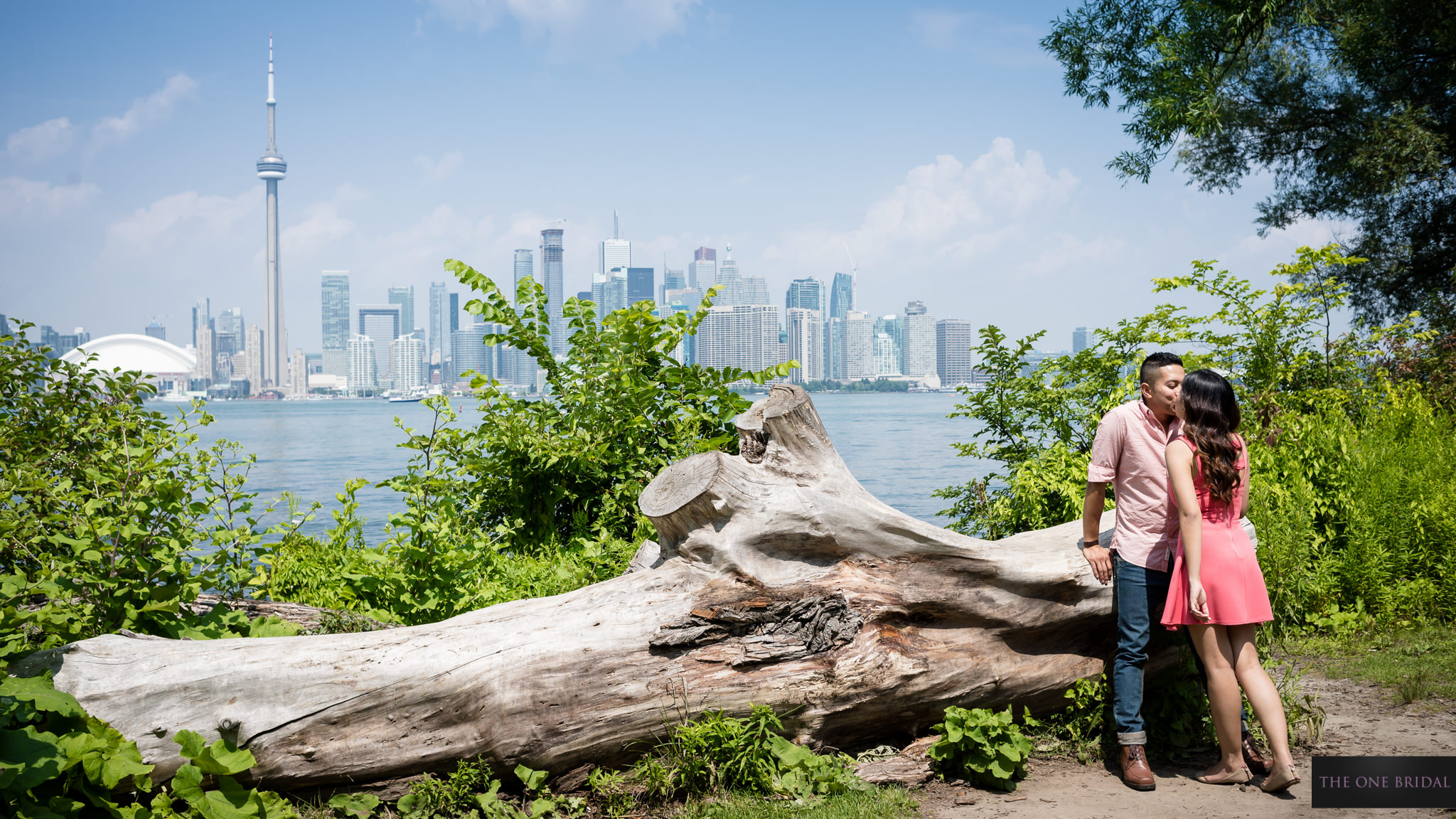centre-island-engagement-photo-the-one-bridal-010