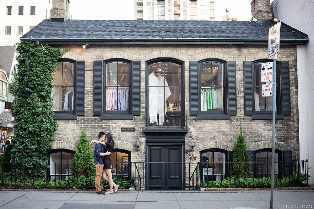 Yorkville Toronto Engagement Photo by THE ONE BRIDAL