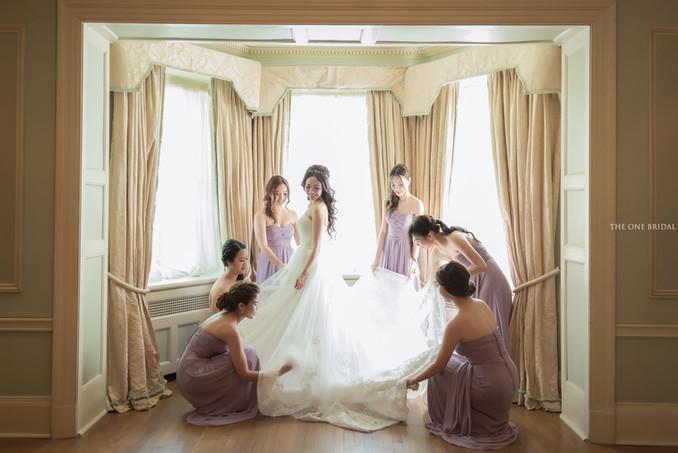 Bride and Bridesmaids at Graydon Hall Manor