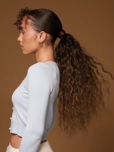 Luxy-Hair-Extensions-Curly-Ponytail-Moch