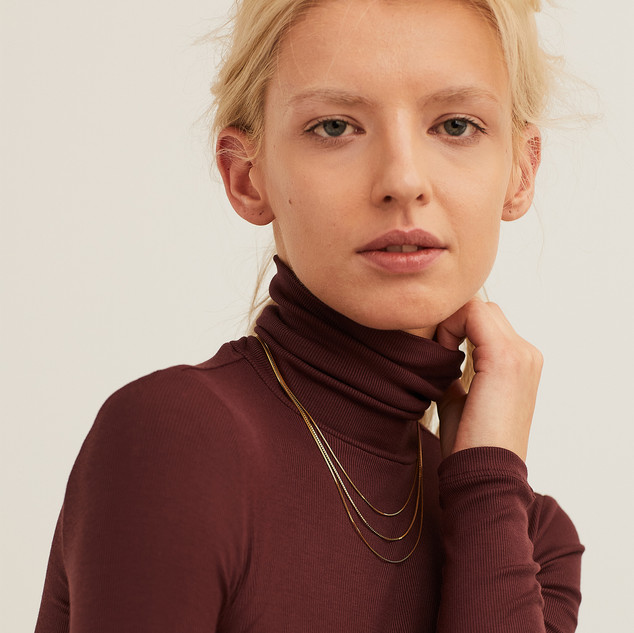 Mejuri_Oct20_multirow_necklace_v_fair_he