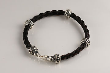 Twisted Tails Horsehair Jewelry Bracelet B3 Dots