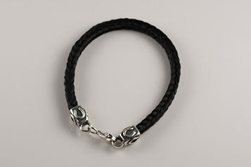 Twisted Tails Horsehair Jewelry Bracelet B2 Square Horseshoe