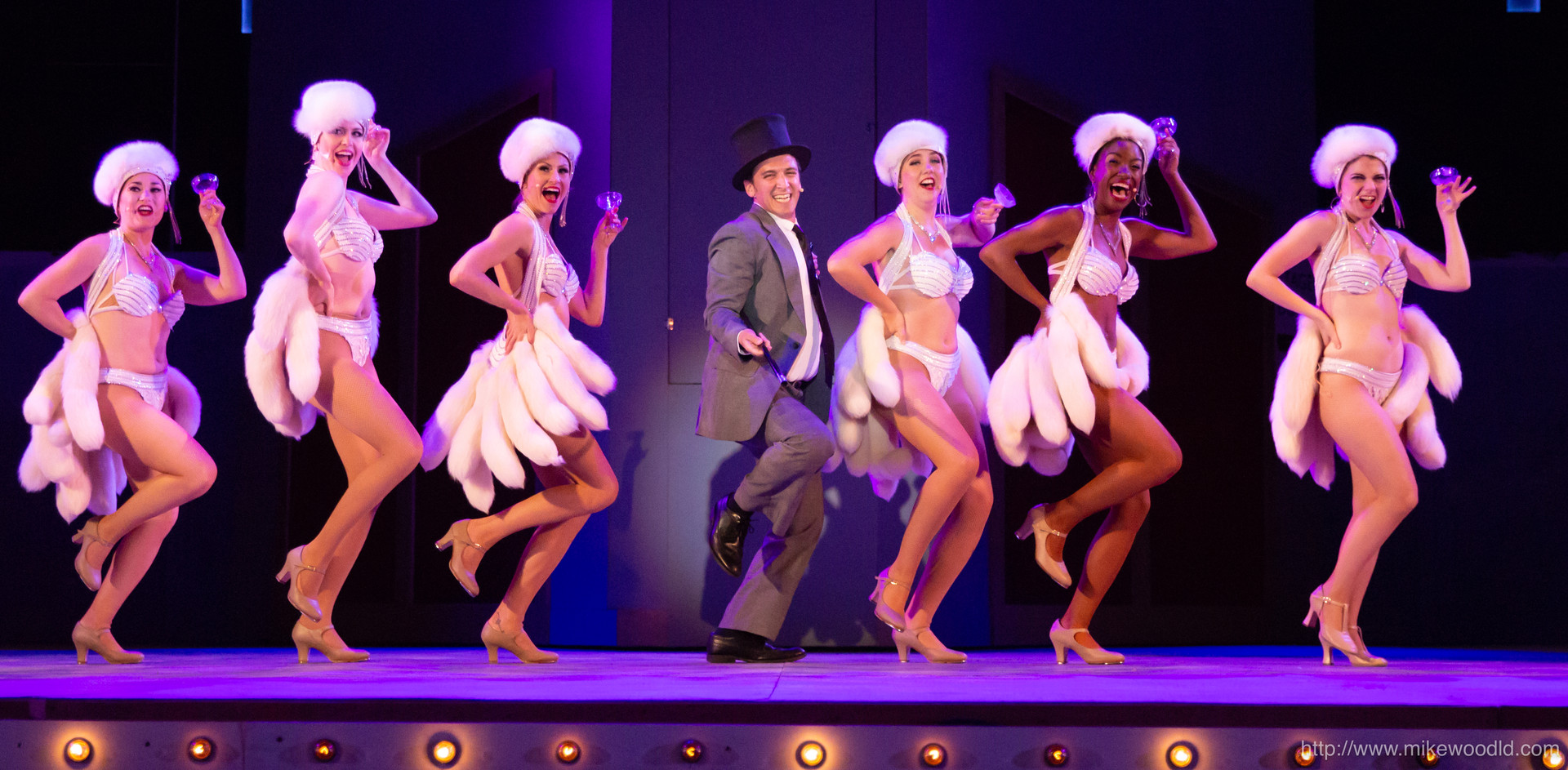 James LaRosa as Leo Bloom in The Producers