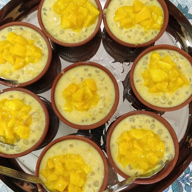 Chilled Sagoo Kheer with lots of Mangoes