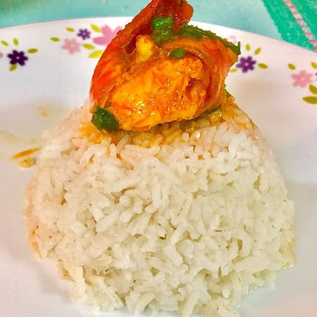 Prawn khadkhadle with steamed rice is an