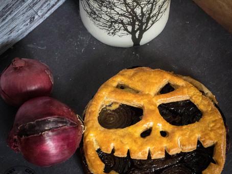 Tarte aux oignons rouges caramélisés - Version Halloween