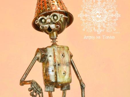 Artiste les Tordus maintenant dans la ville lumière à Paris en France