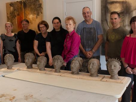 Formation en sculpture d'une tête d'argile, avec l'artise international André Desjardins.