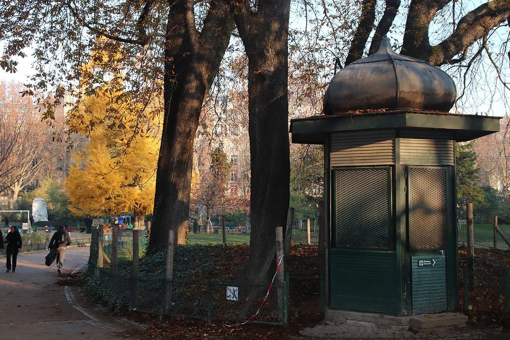 Kiosque du parc Monceau