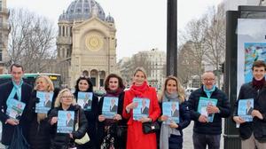L'équipe de campagne tracte dans le secteur de Saint-Augustin