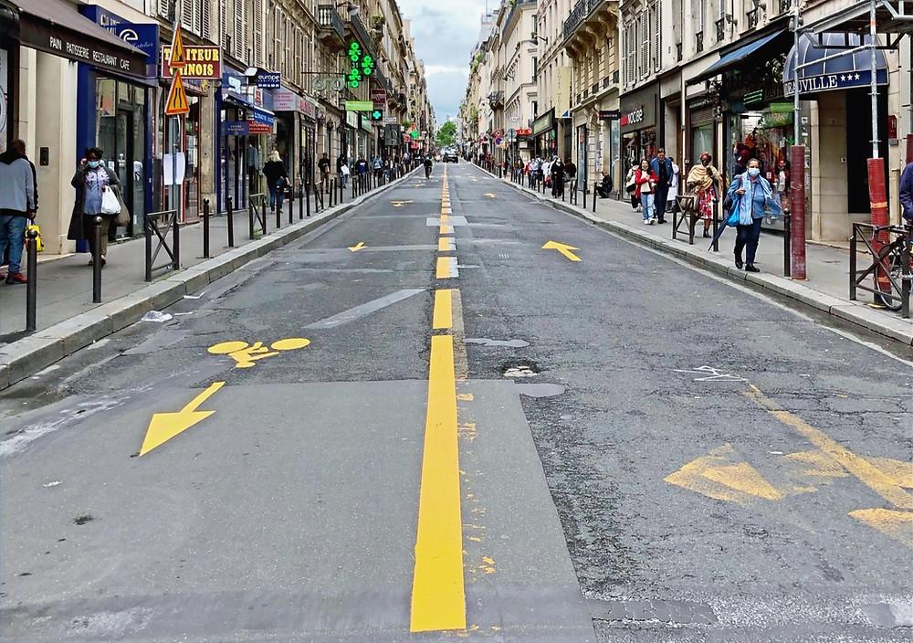 """La """"coronapiste"""" rue d'Amsterdam, un aménagement à améliorer"""