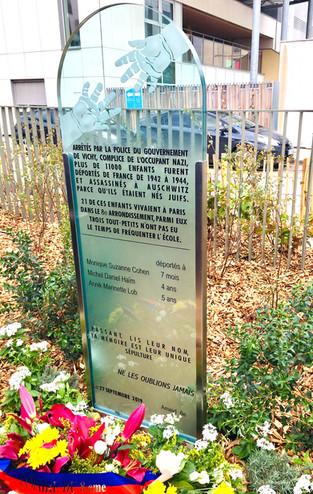 Dévoilement de la stèle à la mémoire des enfants juifs du 8ème