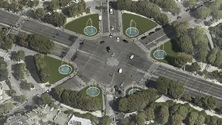 Fleurissement à venir du rond-point des Champs-Elysées : à juger sur place