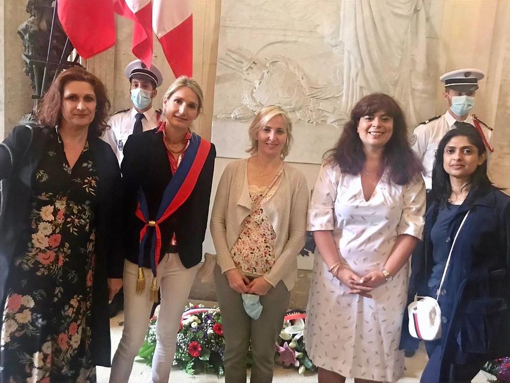 De gauche à droite : Hélène, Catherine, Stéphanie, Eve et Priscilla