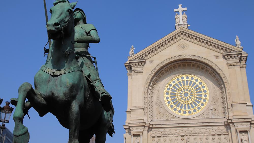 L'église Saint Augustin et la statue de Jeanne d'Arc