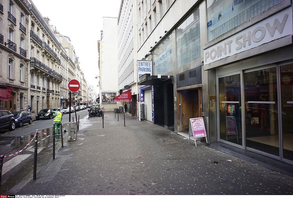 La rue de Ponthieu, arrière-cour mal famée des Champs Elysées