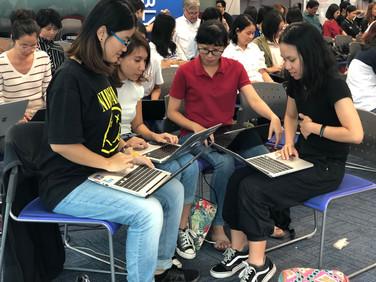 Attendees of Women Meet Tech - Programming for the Web