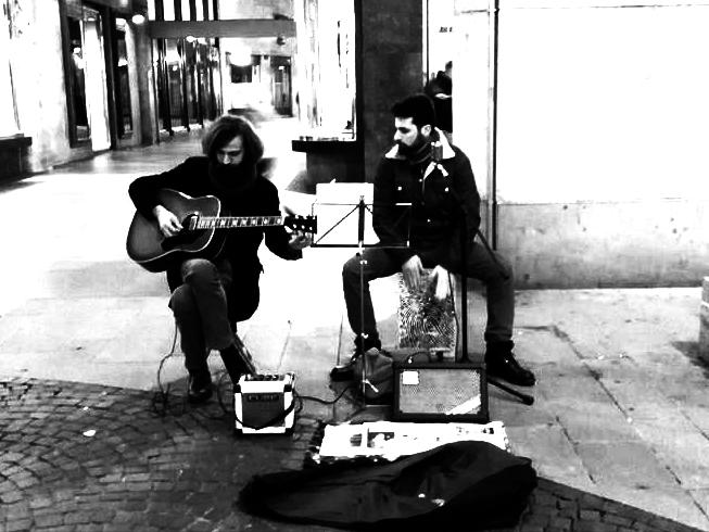 EYES ON THE ROAD - Piazza San Babila