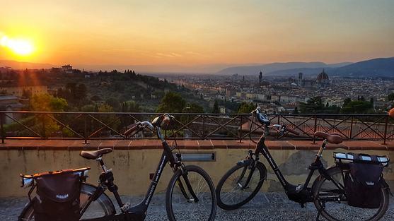 Bike rental Florence Piazalle Michelangelo