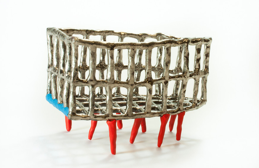 Triangle Basket with Legs