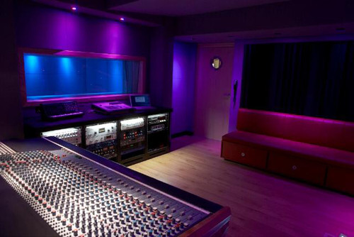 How can glazed windows help a recording studio become  soundproofing?