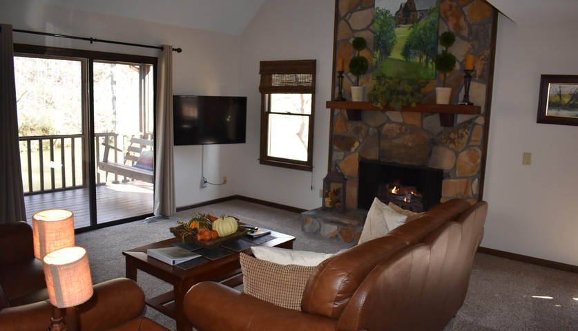 3 BR - Lodge - Living Room
