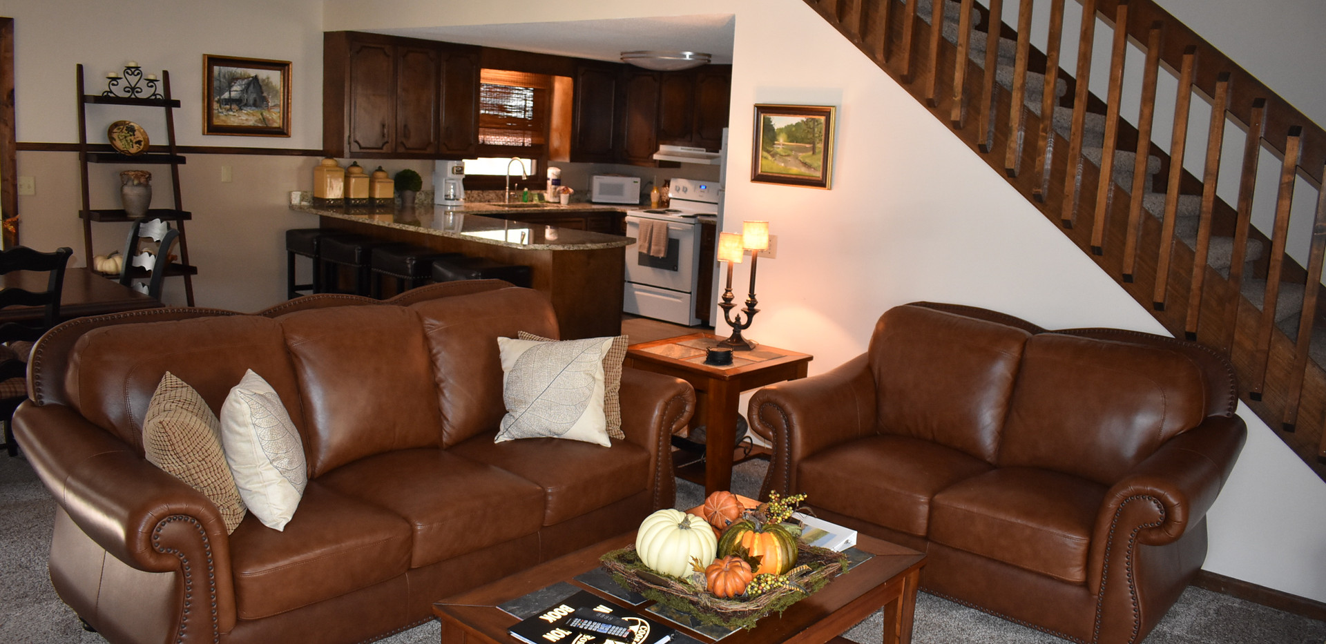 3 BR - Lodge - Living Room & Kitchen