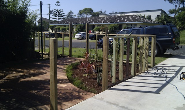 #1 Custom Fencing and Decking