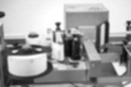 Kartonetikettierung inklusive Druck- und Spendeapplikatio