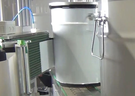Fully automatic labeller for bucket labelling