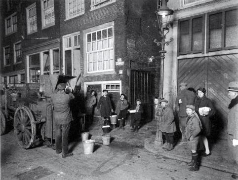 כרכרת הצואה ברחובות אמסטרדם
