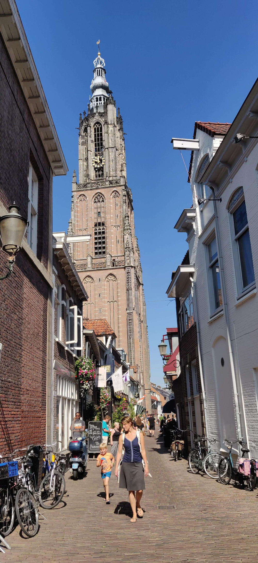 מגדל הכנסיה. נקודת האמצע של הולנד