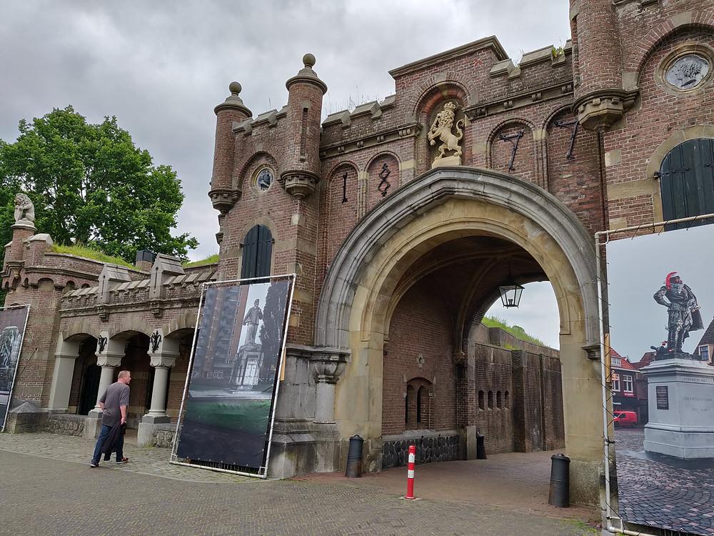 נארדן, הכוכב של הולנד. שער העיר